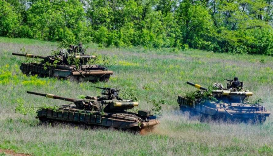 Оккупанты совершили 28 обстрелов, 2 бойцов погибли, 5 ранены— Сутки наДонбассе
