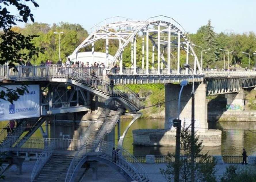 Пари сЗеленским выиграно? ВДнепре открыли отремонтированный мост