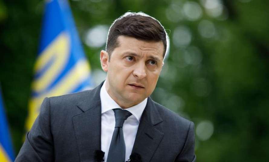 Зеленский объяснил, кто из украинцев не сможет отказаться от вакцинации
