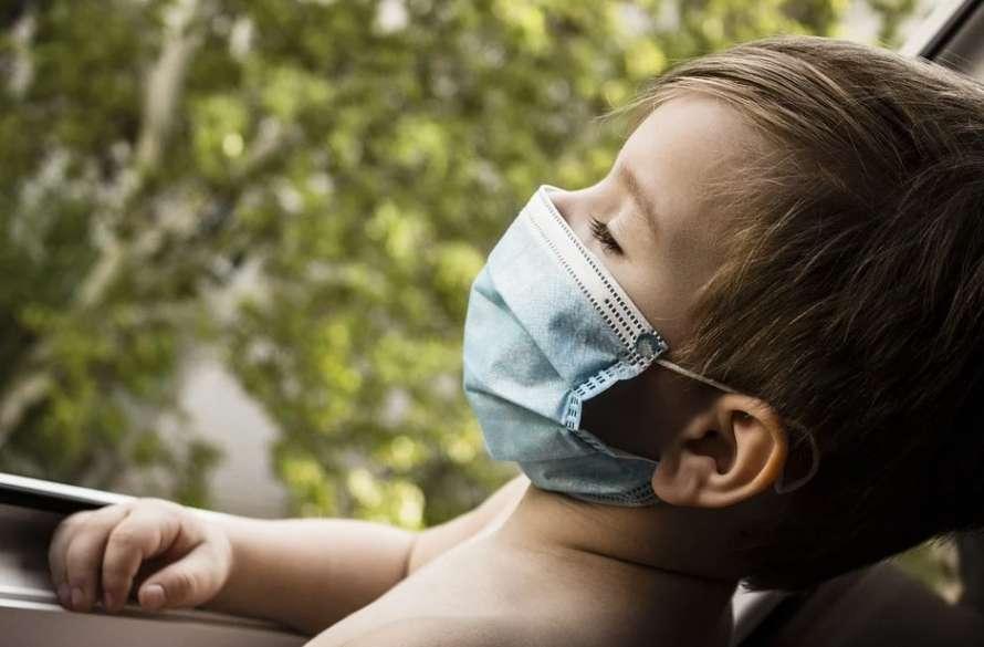 Медики предупредили об опасном синдроме у детей, который появился на фоне коронавируса