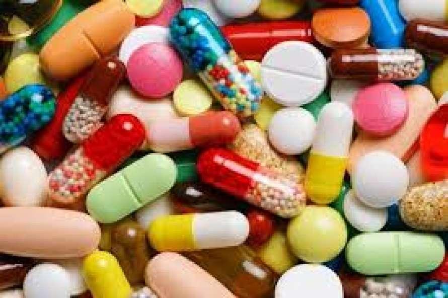 Медики определили комбинацию трех препаратов для лечения коронавируса