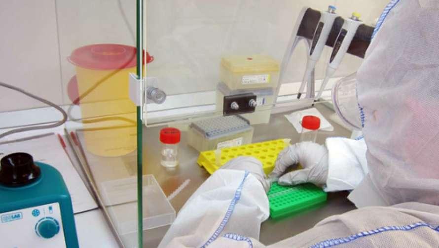 Крымские медики продолжают массово заражаться коронавирусом