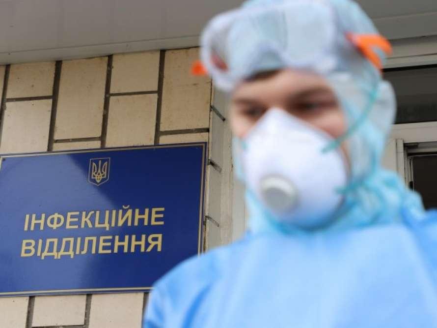 В Киеве за сутки выявили полтысячи новых больных COVID-19