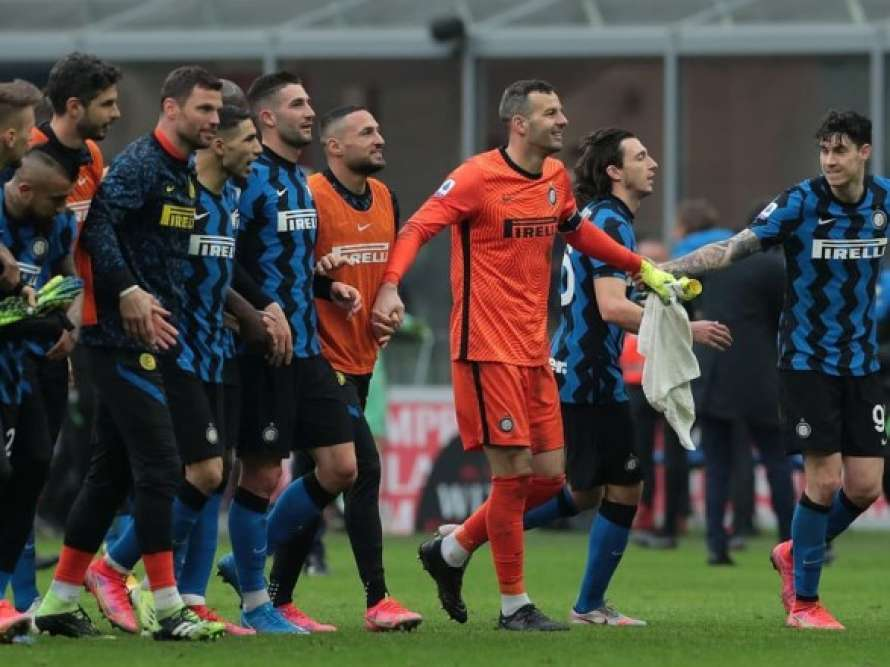 Гранд итальянского футбола сообщил о вспышке коронавируса в клубе