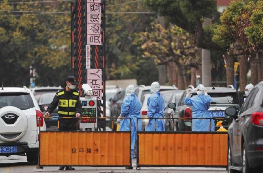 В Китае из-за двух случаев коронавируса на карантин закрыли целый город