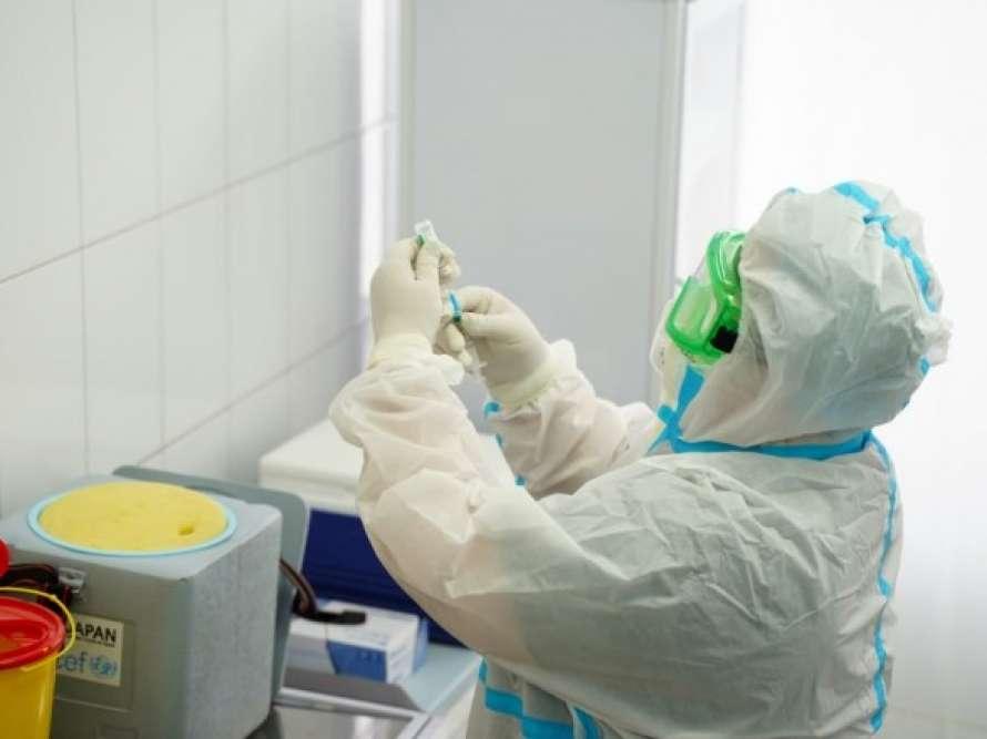 Украина нарастила темпы вакцинации от коронавируса