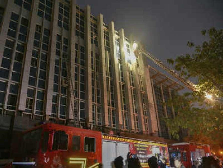 В Мумбаи в смертельном пожаре погибли больные COVID-19