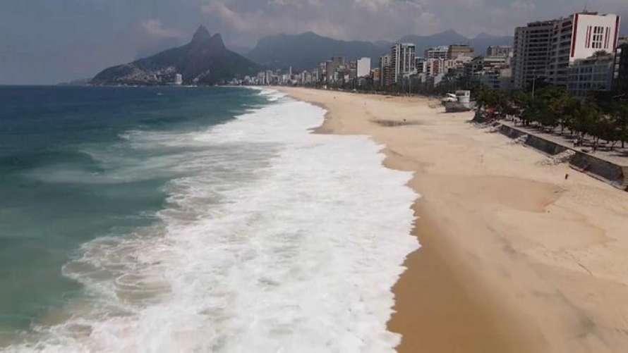 В Бразилии закрыли для посещения пляжи