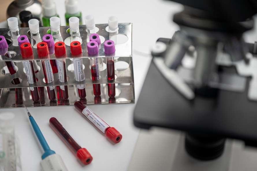 Китай выбился в лидеры по созданию вакцины от коронавируса
