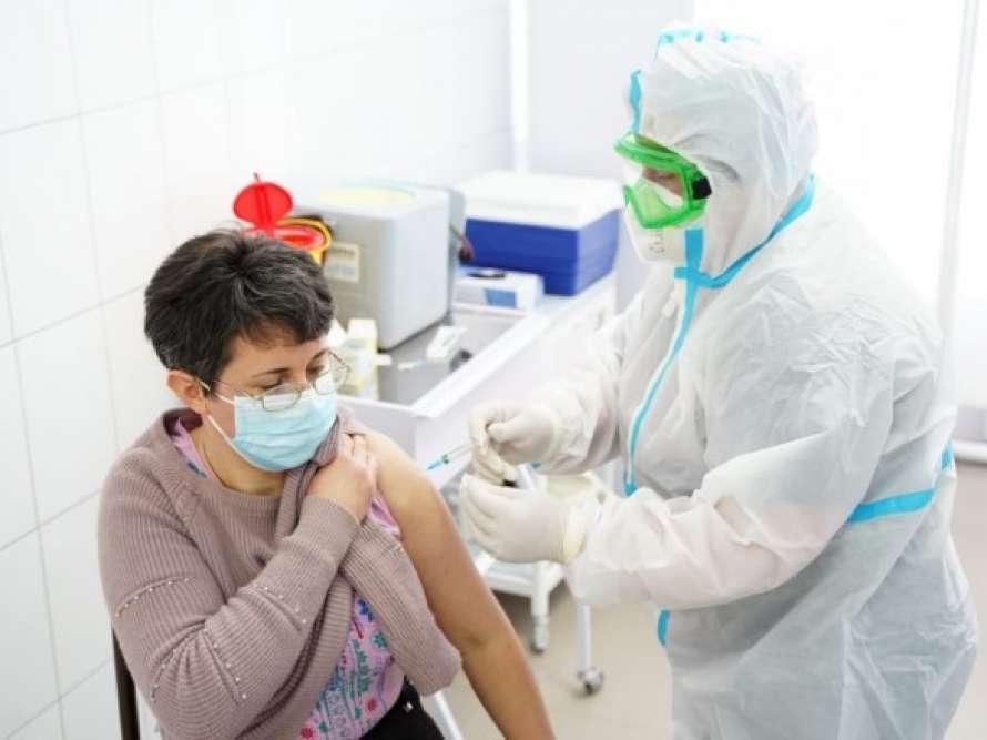 Вакцинированных от COVID-19 в Украине уже более 50 тысяч