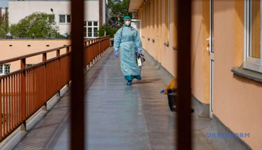 В Украине за сутки коронавирусом заболели более полтысячи человек